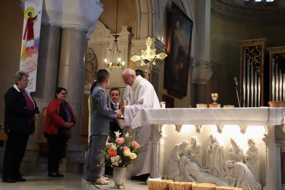 communions mai 2019 paroisse ste anne de lizeron 42 loire