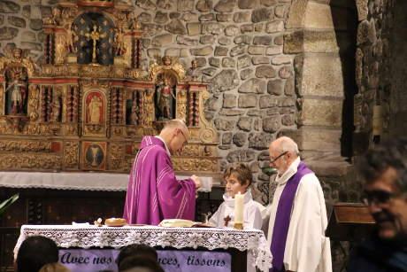 mgr-bataille-eucharistie