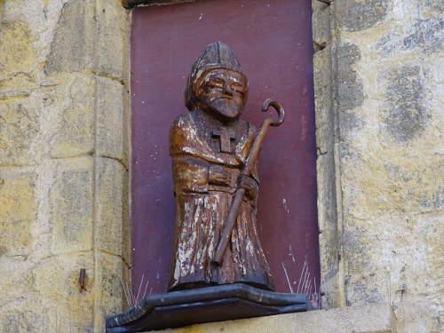 eveque-statue-bois