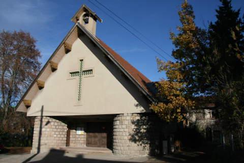 Eglise de la Cote Durieux à Roche la Molière 42 dans la Loire, diocèse de Saint-Etienne