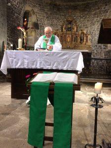 Pre^tre de la paroisse ste anne de lizeron officiant en temps ordinaire à st victor sur loire 42