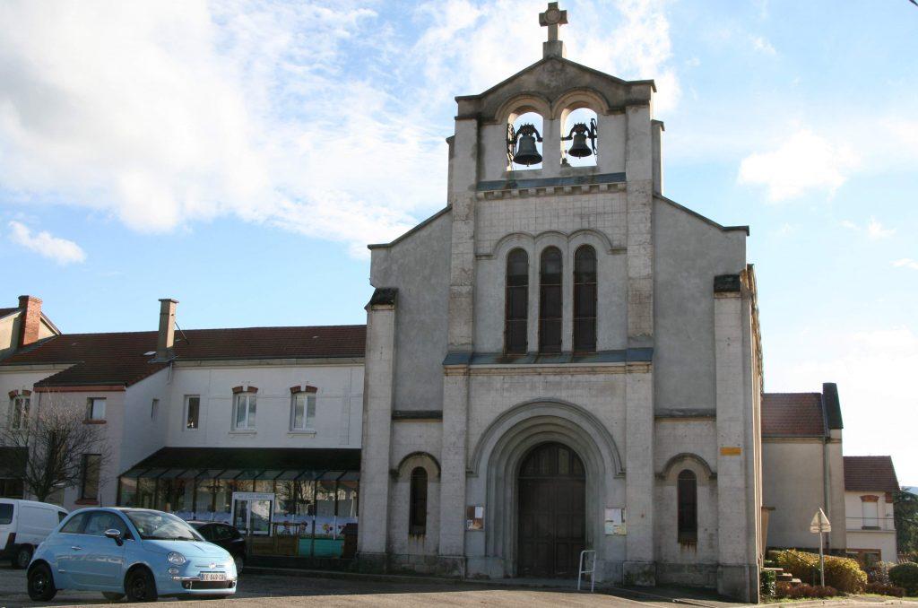 Église St Joseph de Beaulieu photo horizontale côté entrée