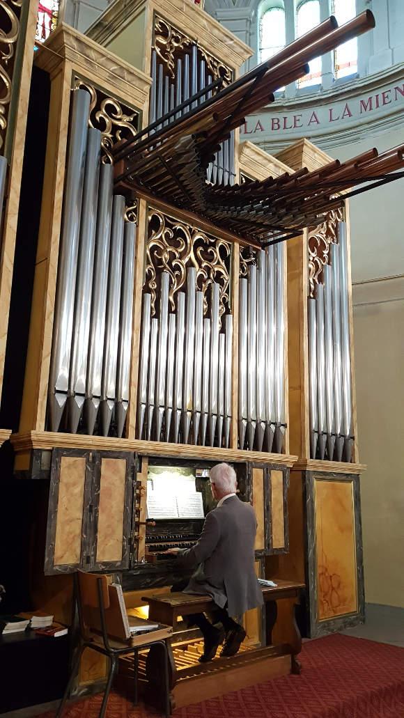 organistepelerinagenotredamedepitiéeglisestgenestlerpt42loire