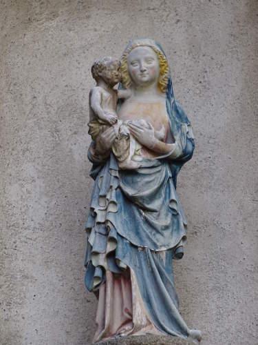 marie-portant-jesus