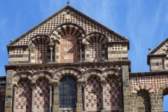 facade-cathedrale-puy1