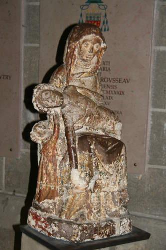 vierge-enfant-cathedrale-puy-pierre-fievres-1